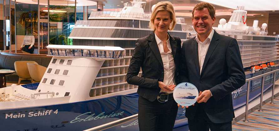Mein Schiff 4 makes her first port call after delivery