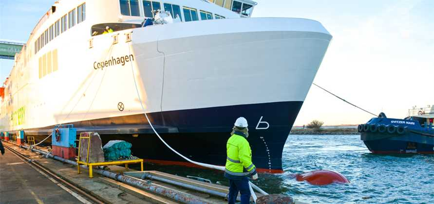 Scandlines' new hybrid ferry leaves Fayard shipyard