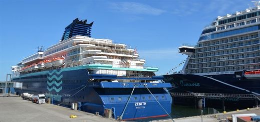 Pullmantur makes its maiden cruise call in Kiel