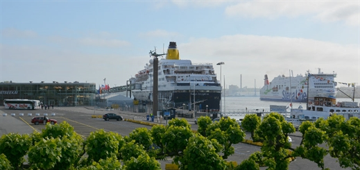 Saga Sapphire makes maiden call at Port of Kiel