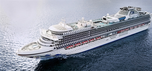 Diamond Princess joins Sapphire Princess in Singapore
