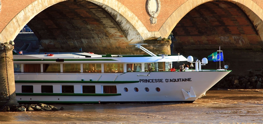 Bordeaux offers cruise guests a compelling holiday combination