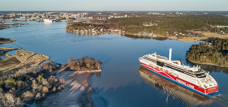 Norsepower Rotor Sail cuts fuel consumption on Viking Grace