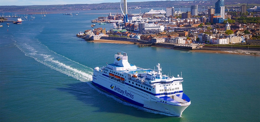 Brittany Ferries extends partnership with Portsmouth