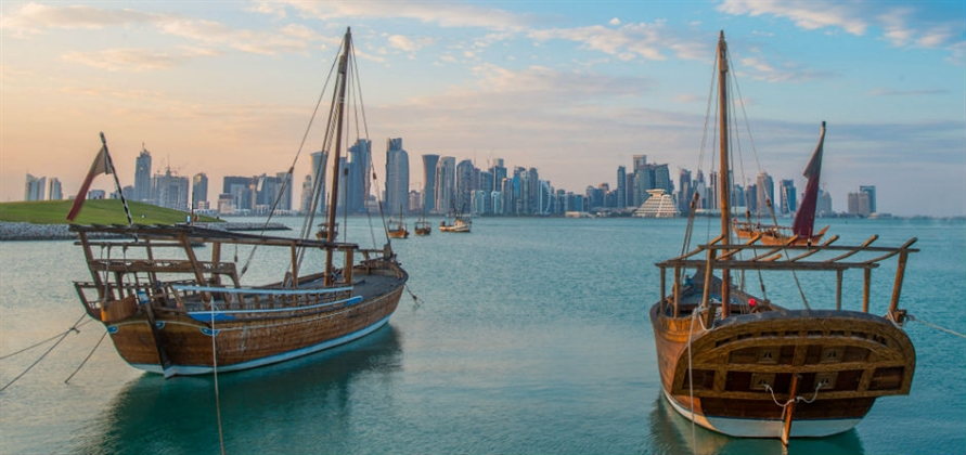 What can guests expect during a cruise call in Qatar?