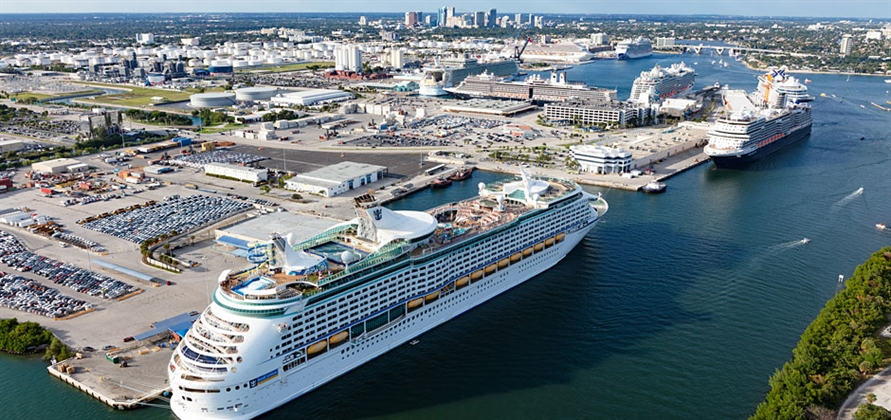 Port Everglades beats its own world record