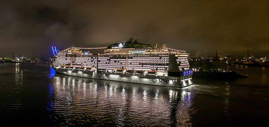 img MSC Grandiosa arrives in Hamburg (4) web.
